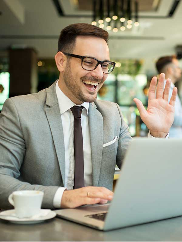 Man talking confidently to customer with 1Page insights